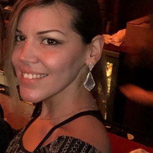 Kendra Scott Jewelry - Gorgeous Kendra Scott Alexa Drop Earrings •RARE•